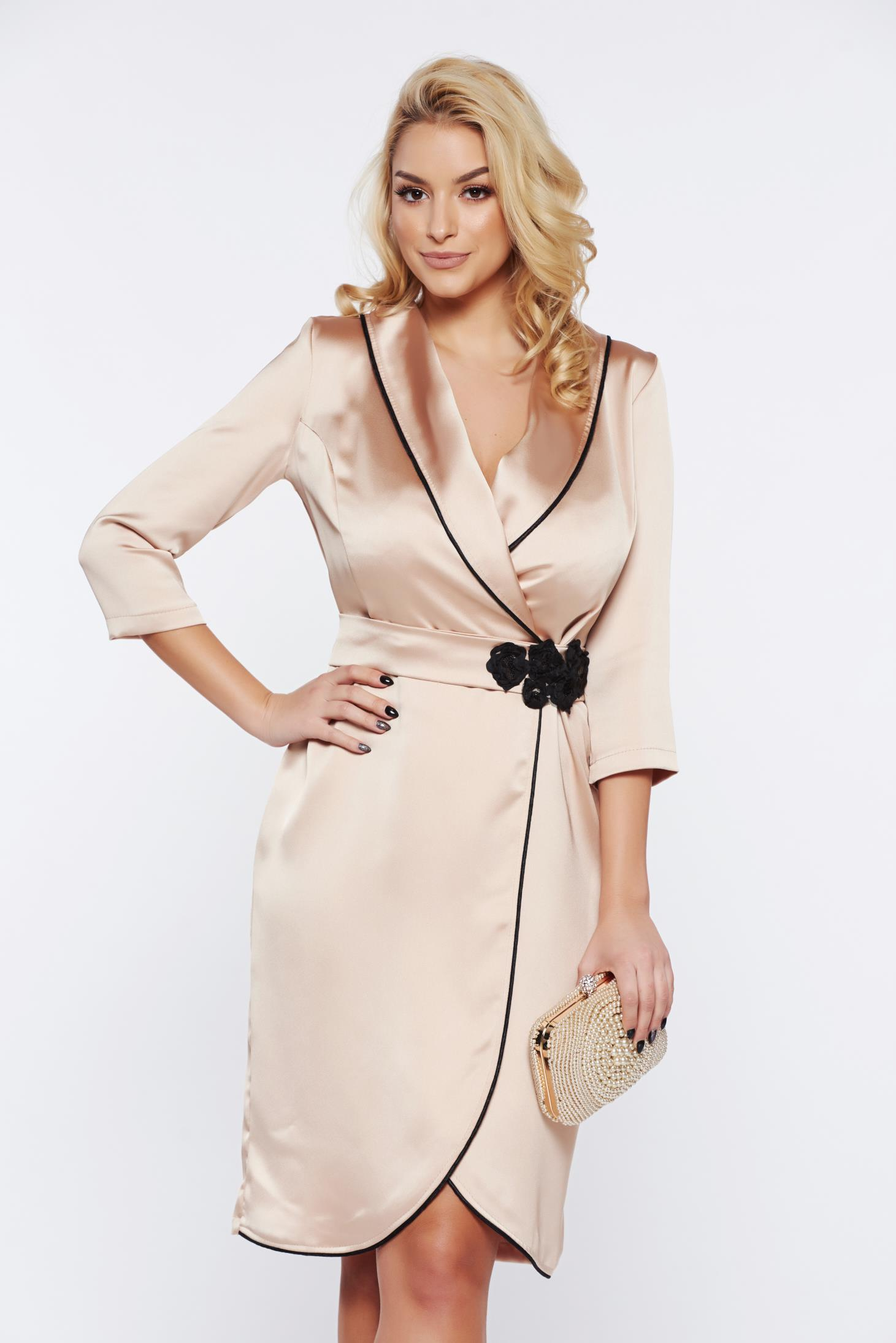 Rochie StarShinerS crem eleganta petrecuta din material satinat