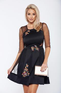 StarShinerS black elegant dress with satin fabric texture and tulle with embroidery details