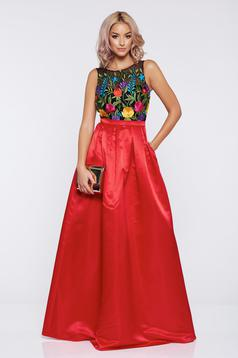 Fofy long occasional red satin dress with embroidery details