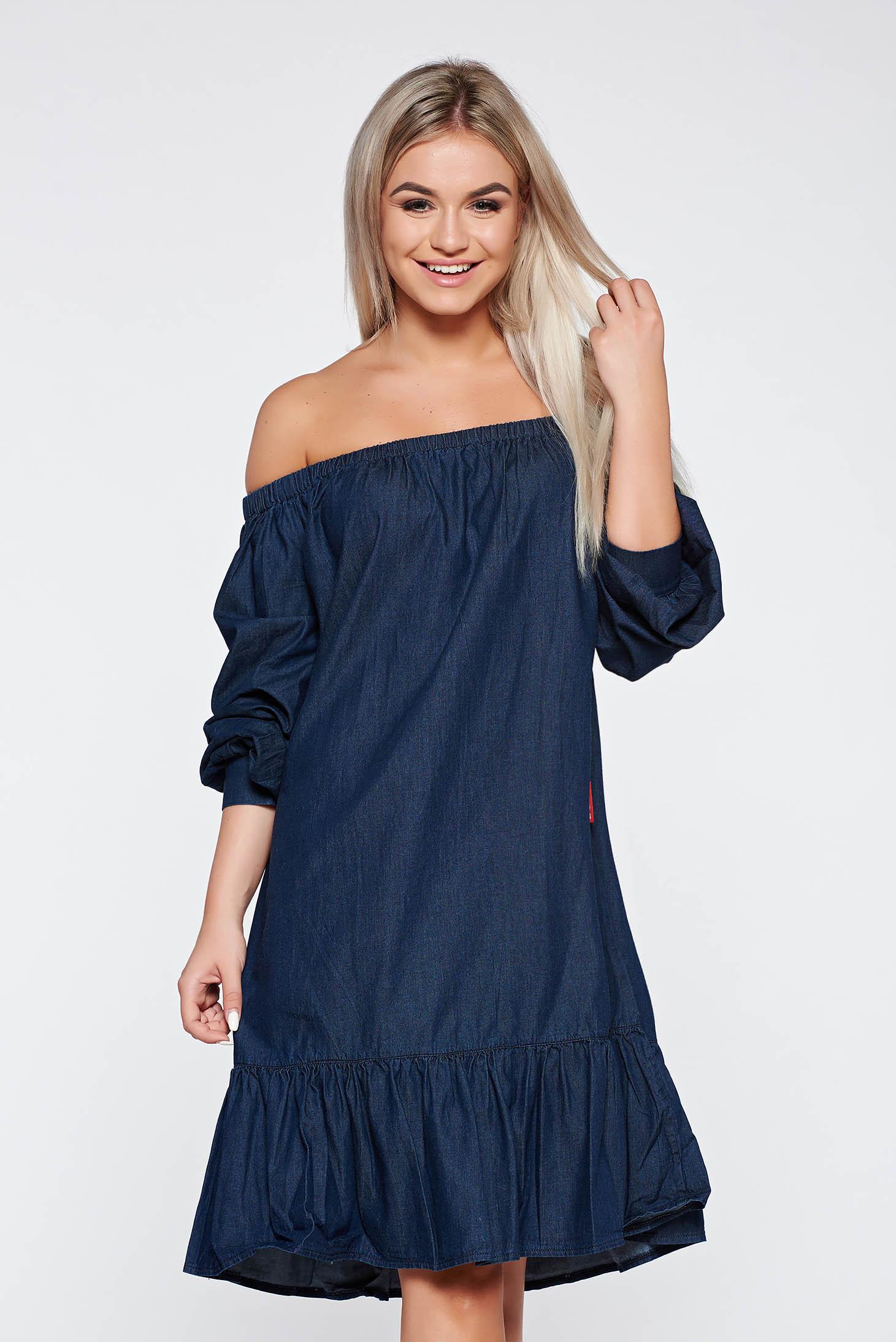 Rochie albastra-inchis casual cu croi larg din denim cu volanase la baza rochiei