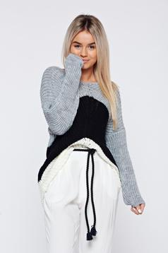 Black casual knitted long sleeve sweater