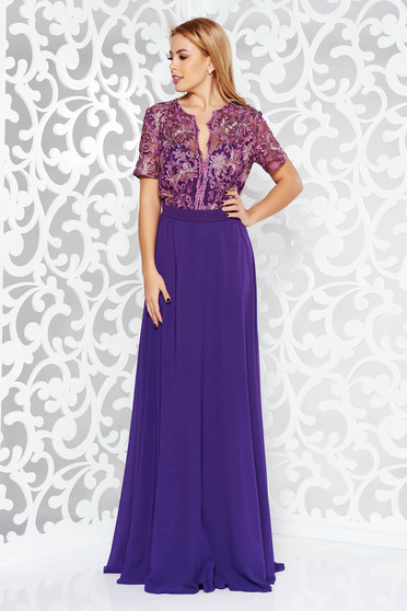 Occasional purple dress with a cleavage embroidery details