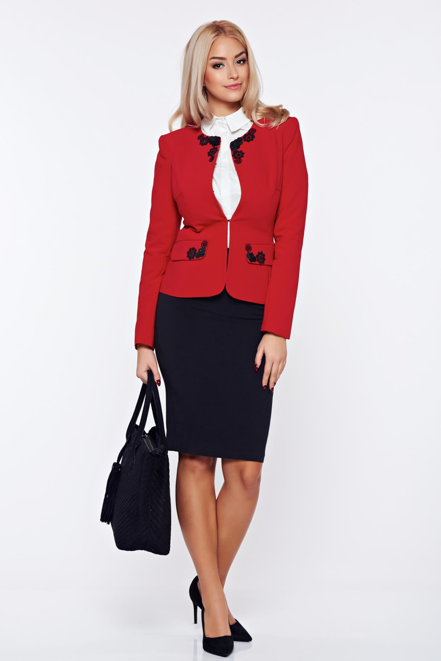 Costum damă LaDonna rosu office din stofa cu insertii brodate manual