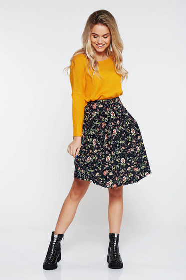PrettyGirl black cloche casual skirt with floral print