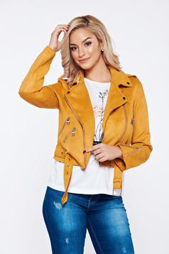 Yellow velour casual jacket accessorized with tied waistband