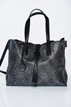 Black casual bag with metallic aspect