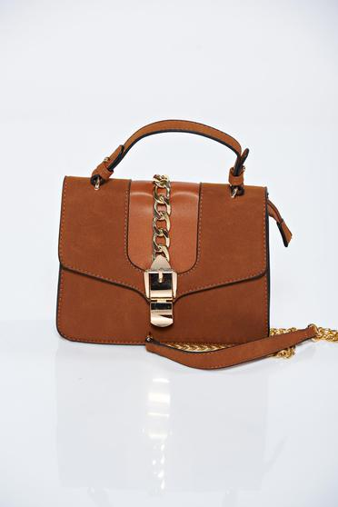 Brown casual bag with a compartment with internal pockets