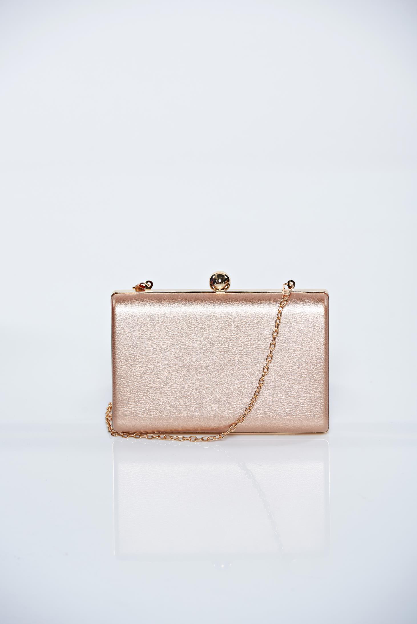 Rózsaszínű alkalmi táska fémes kiegészítő c6cce89f99