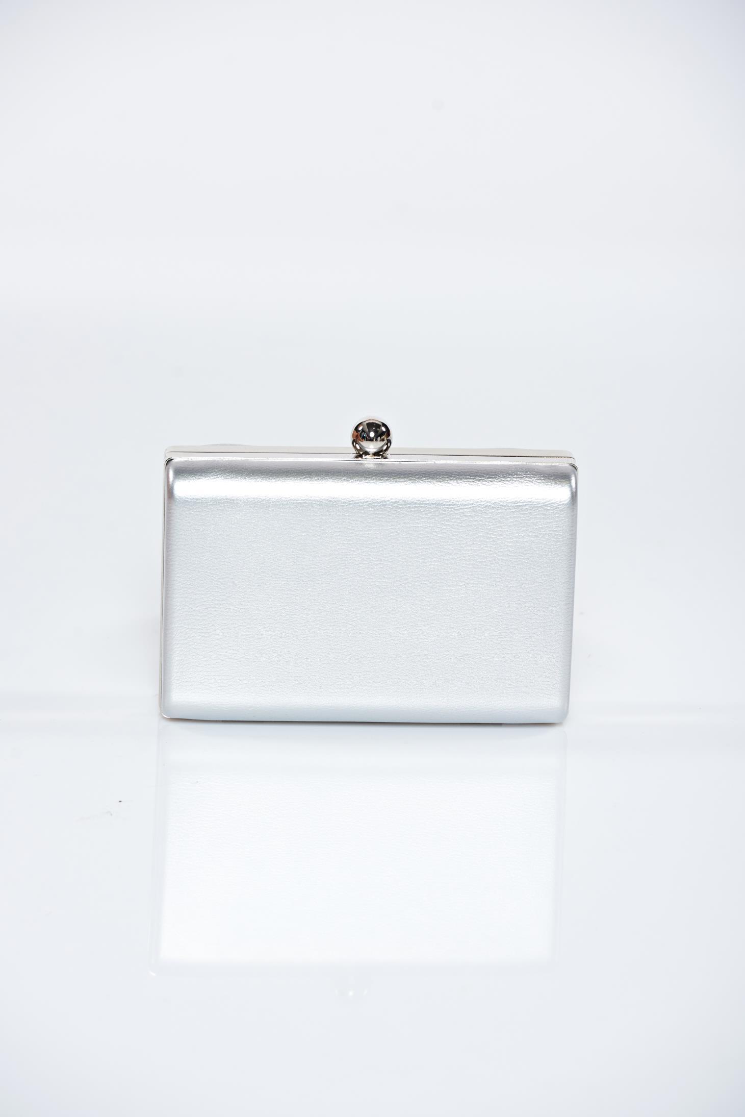 Szürke alkalmi táska fémes kiegészítő 06e9550890