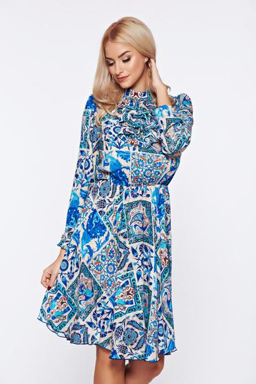 Fofy blue elegant daily dress with ruffles on the chest with floral print