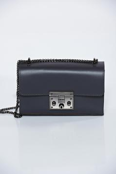 Black natural leather casual bag with metallic chain accessory