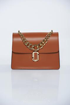 Brown casual ecological leather bag accessorized with chain