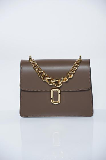 Grey casual ecological leather bag accessorized with chain