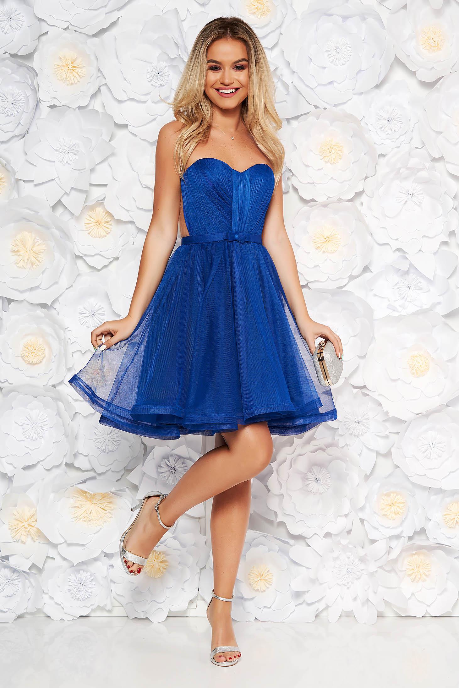 Rochie Ana Radu albastra de lux tip corset din tul captusita pe interior cu bust buretat accesorizata cu cordon