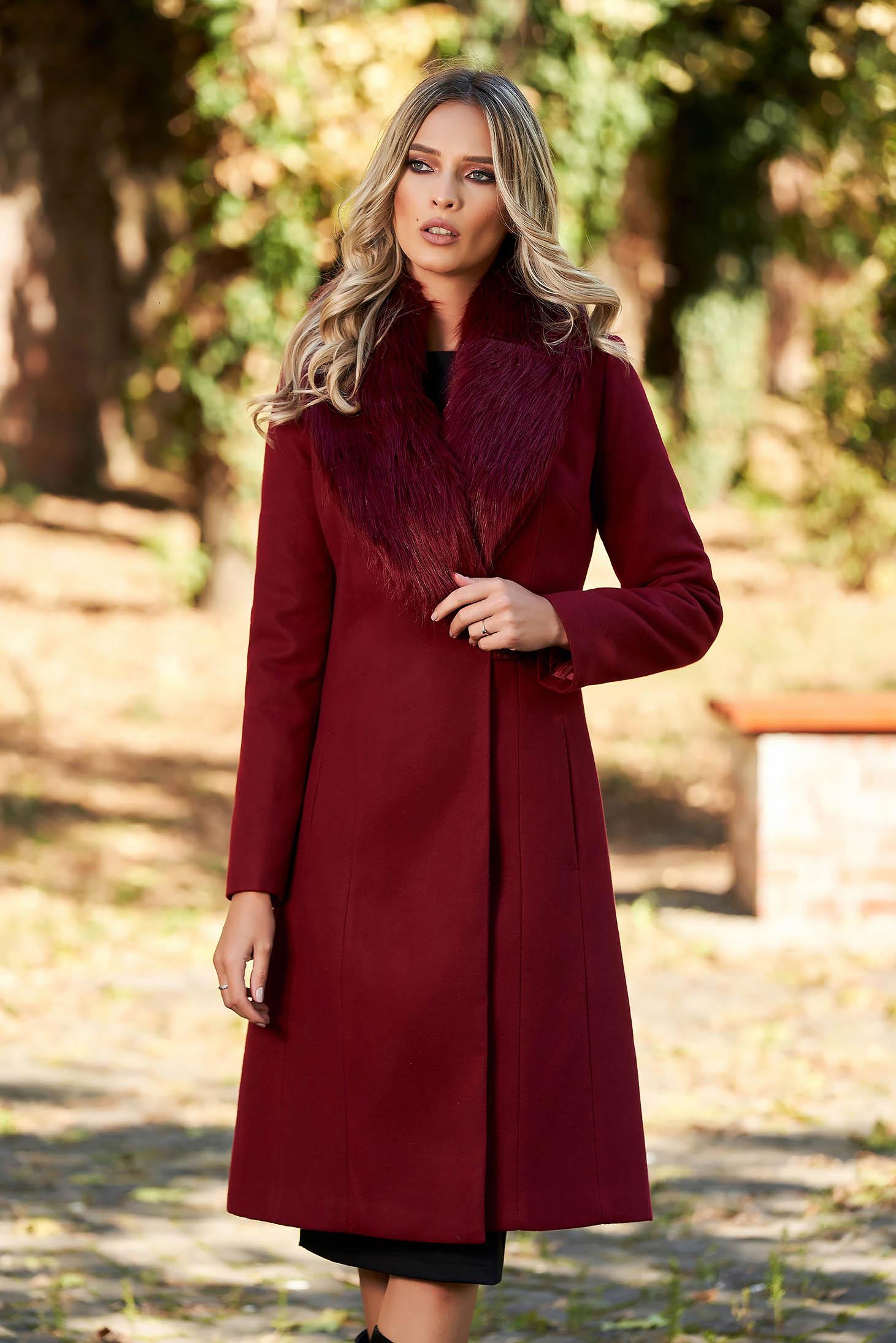 Palton LaDonna visiniu elegant cu guler din blana