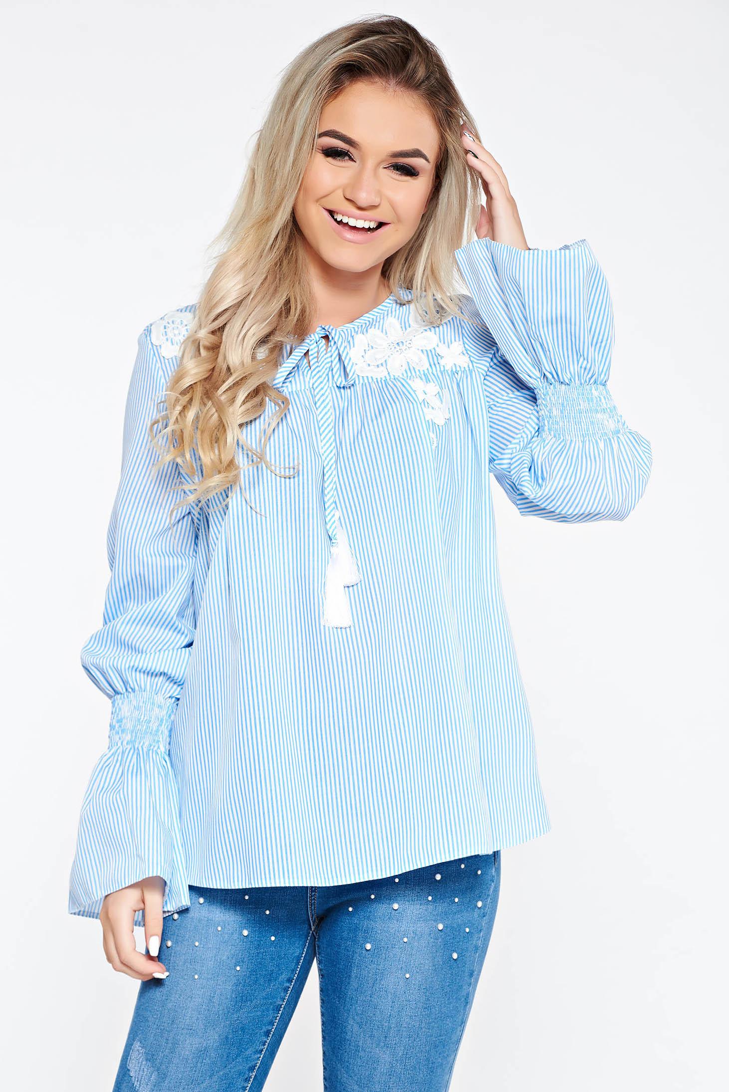Bluza dama LaDonna albastra-deschis casual brodata cu croi larg din bumbac neelastic cu maneci clopot