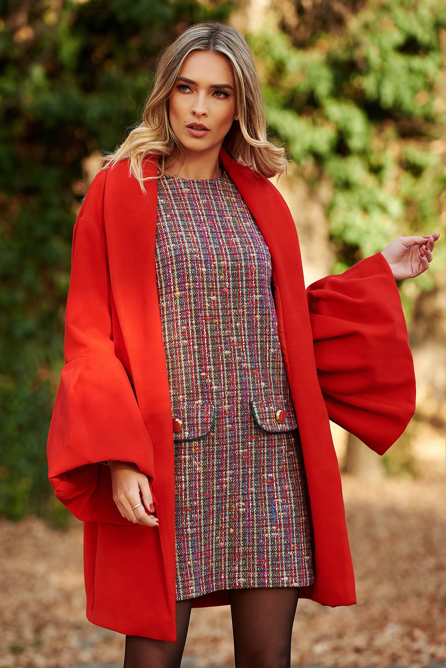 Palton Ana Radu rosu elegant din lana captusit pe interior cu maneci clopot