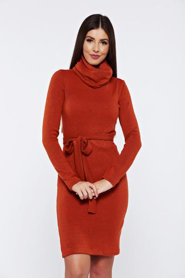 PrettyGirl darkbrown casual knitted dress accessorized with tied waistband