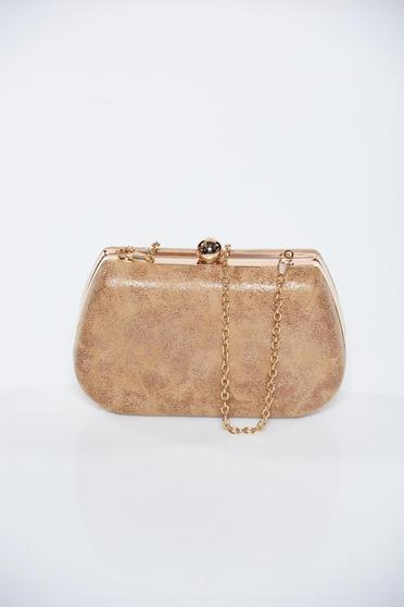 Brown occasional bag with metallic aspect with metalic accessory