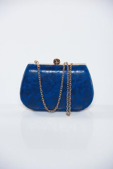 Blue occasional bag with metallic aspect with metalic accessory