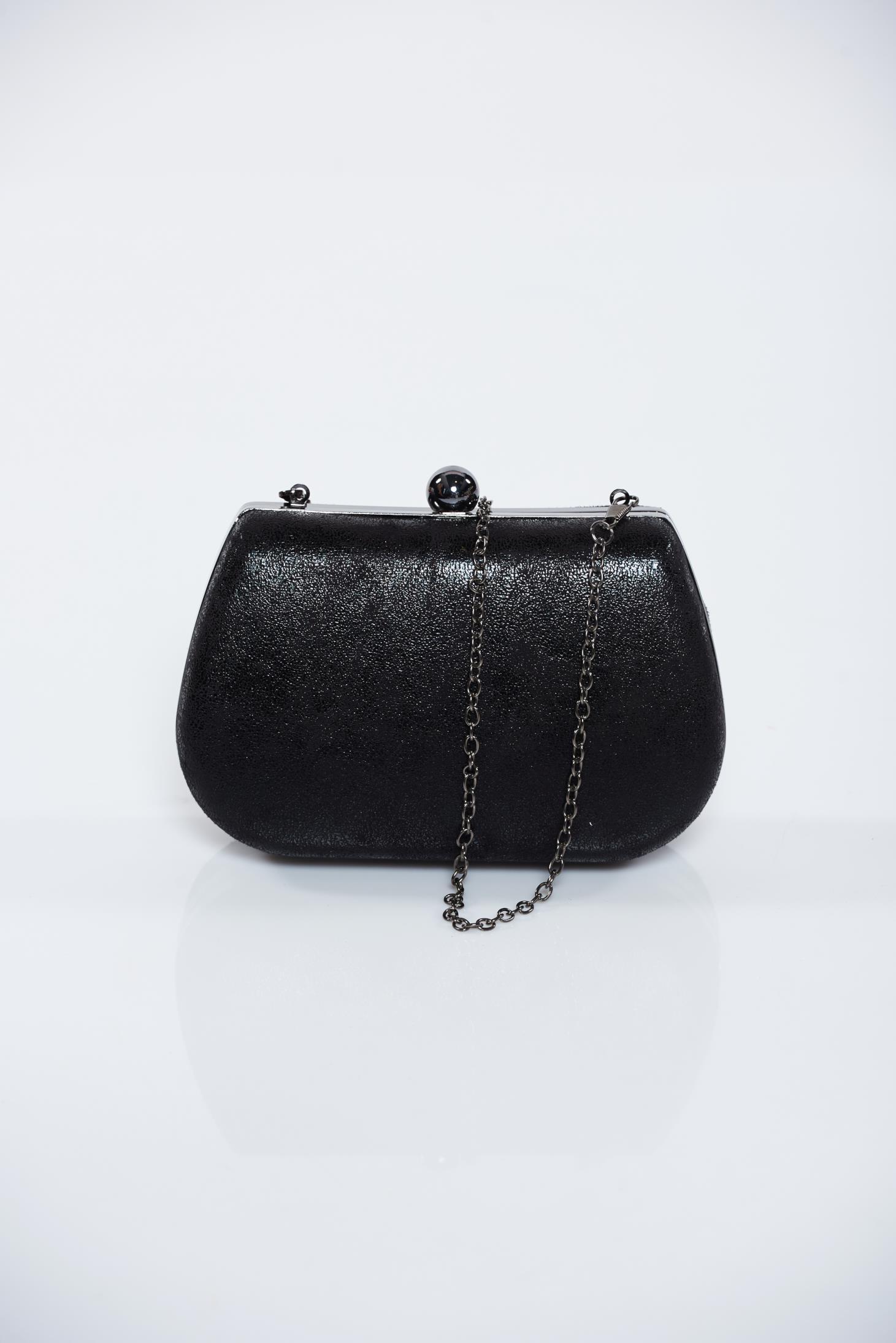 Geanta dama neagra de ocazie cu aspect metalic cu accesoriu metalic