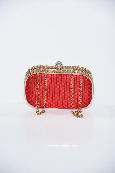 Red occasional bag from braided fabric accessorized with chain