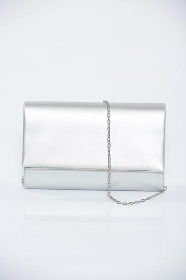 Silver occasional bag with metallic aspect accessorized with chain