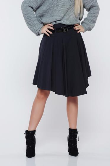 PrettyGirl grey casual cloche skirt accessorized with belt