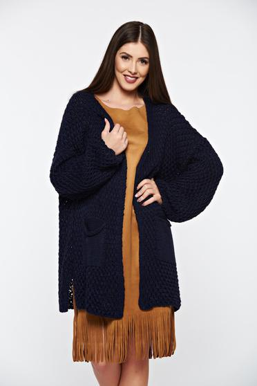 Blue knitted cardigan with front pockets