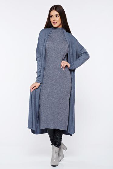 Grey knitted long sleeved cardigan with easy cut