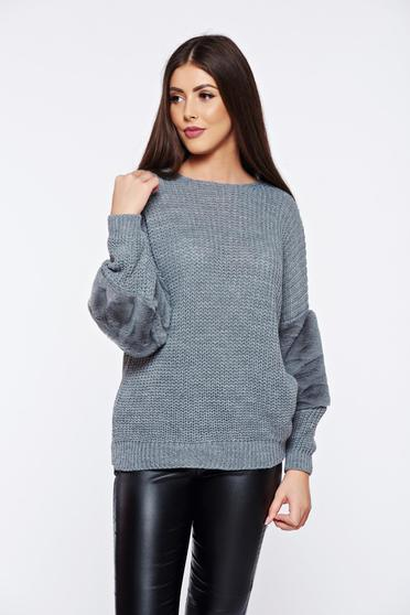 Casual knitted grey long sleeve sweater with faux fur details
