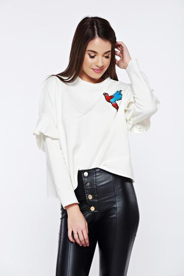 White casual embroidered flared sweater with ruffled sleeves