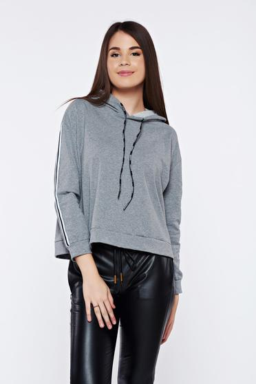 Grey casual hoodie with undetachable hood