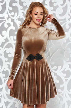 Artista cream elegant dress from velvet with embroidery details