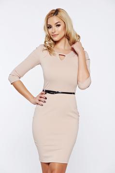 PrettyGirl cream office pencil dress accessorized with belt