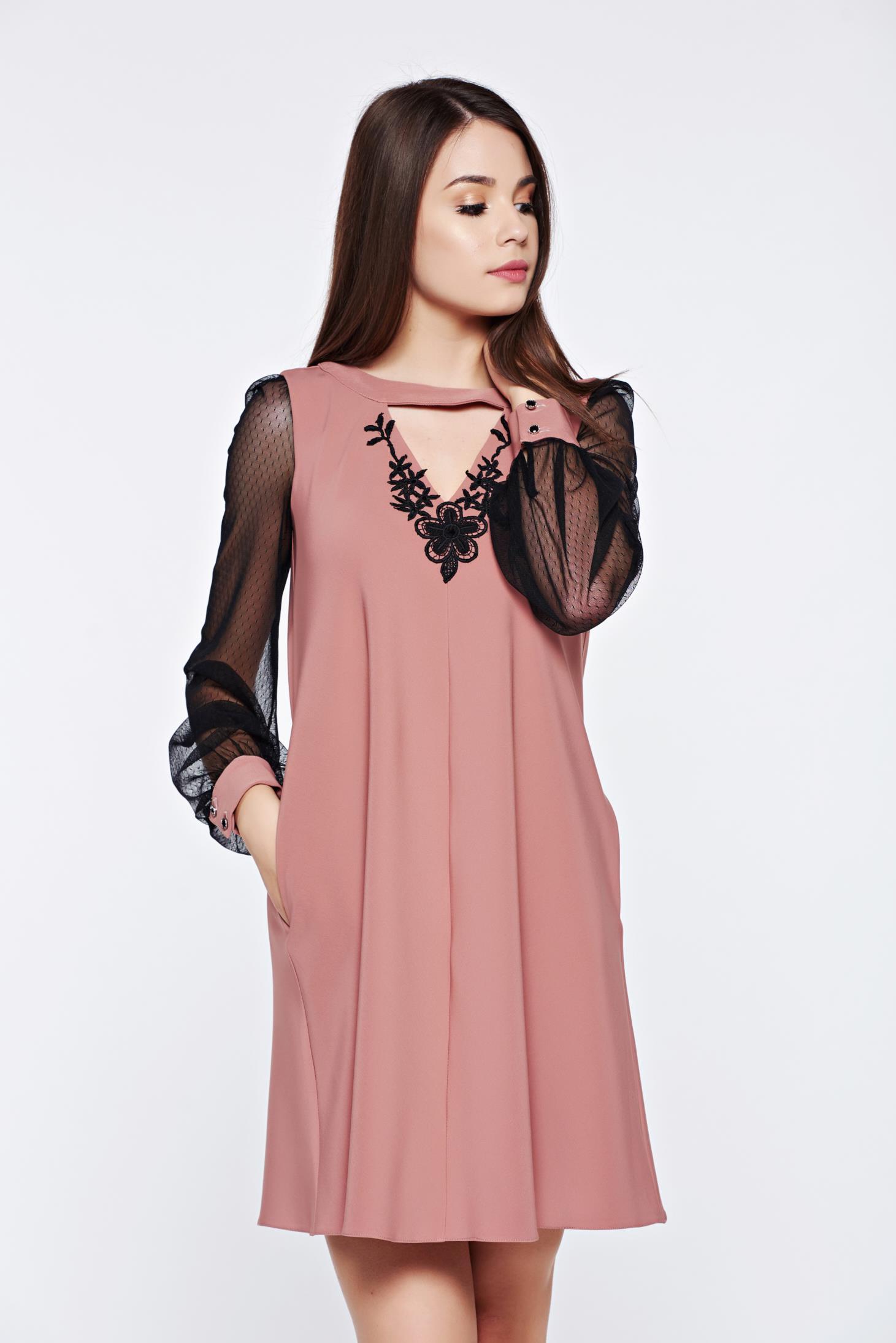 Rochie LaDonna rosa eleganta de zi cu maneci din dantela