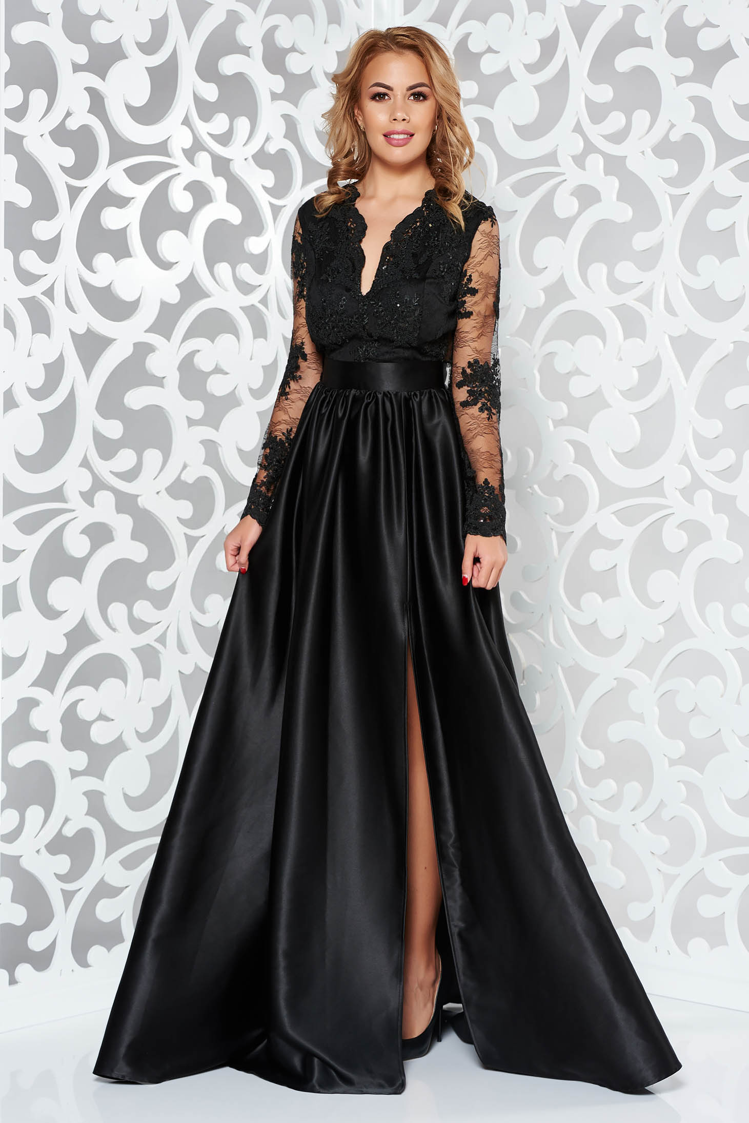 Fekete Artista alkalmi ruha szatén anyagból csipke ujjakkal a8f520cc4d