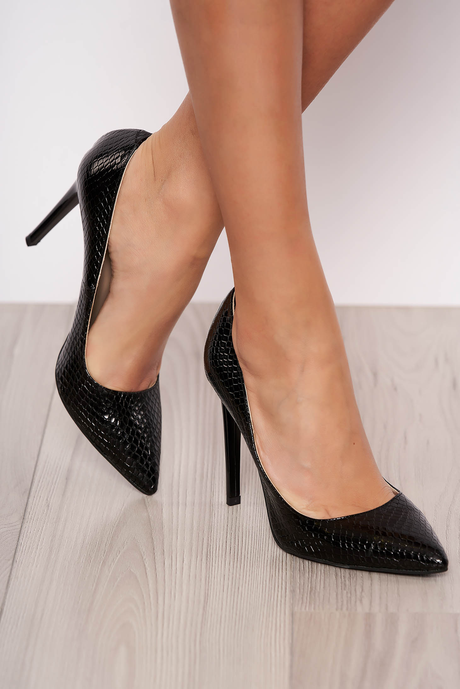 Elegant black stiletto natural leather shoes with high heels