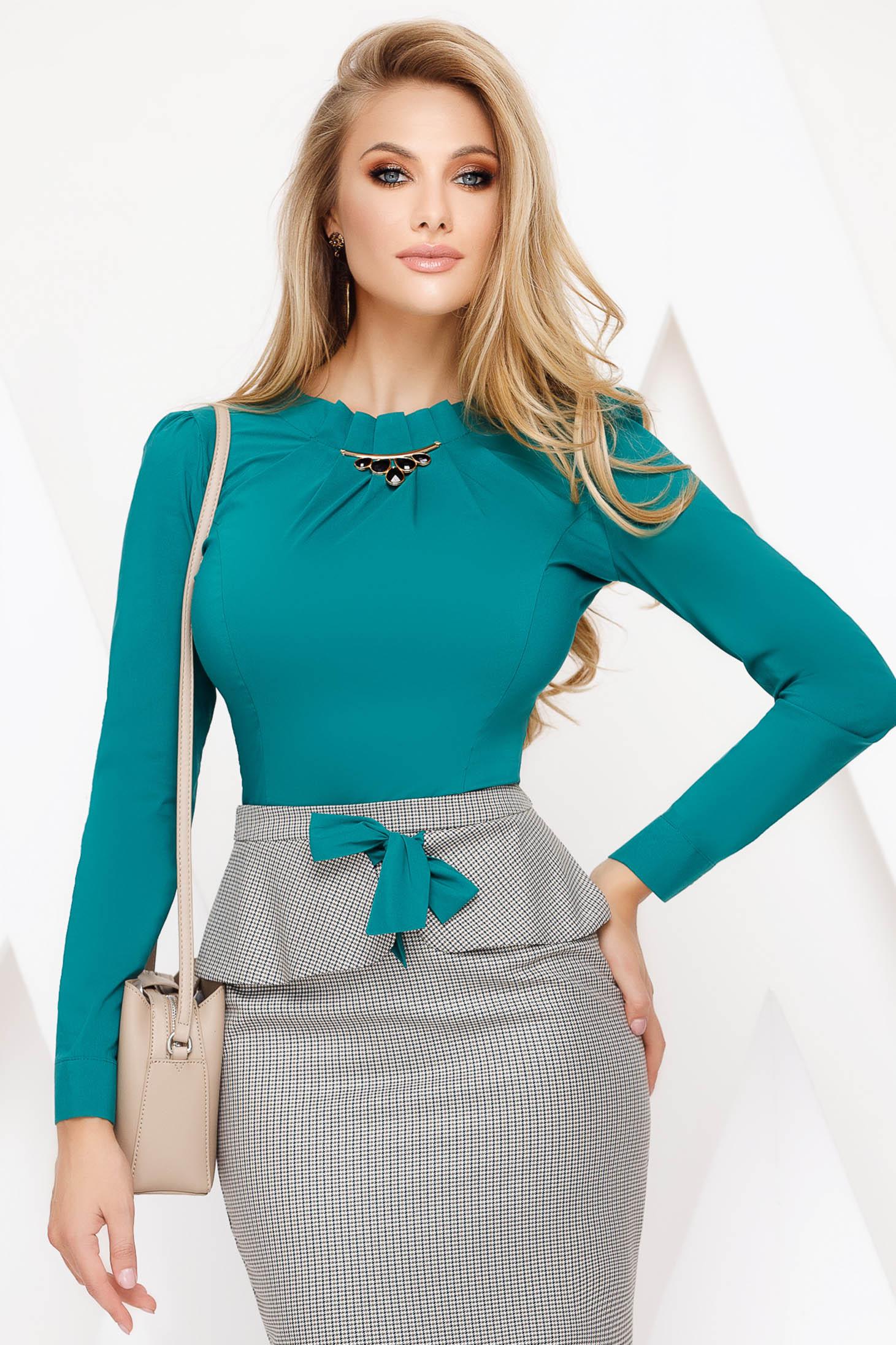 Zöld Fofy irodai pamutból készült szűk szabású női ing strassz köves kiegészítő