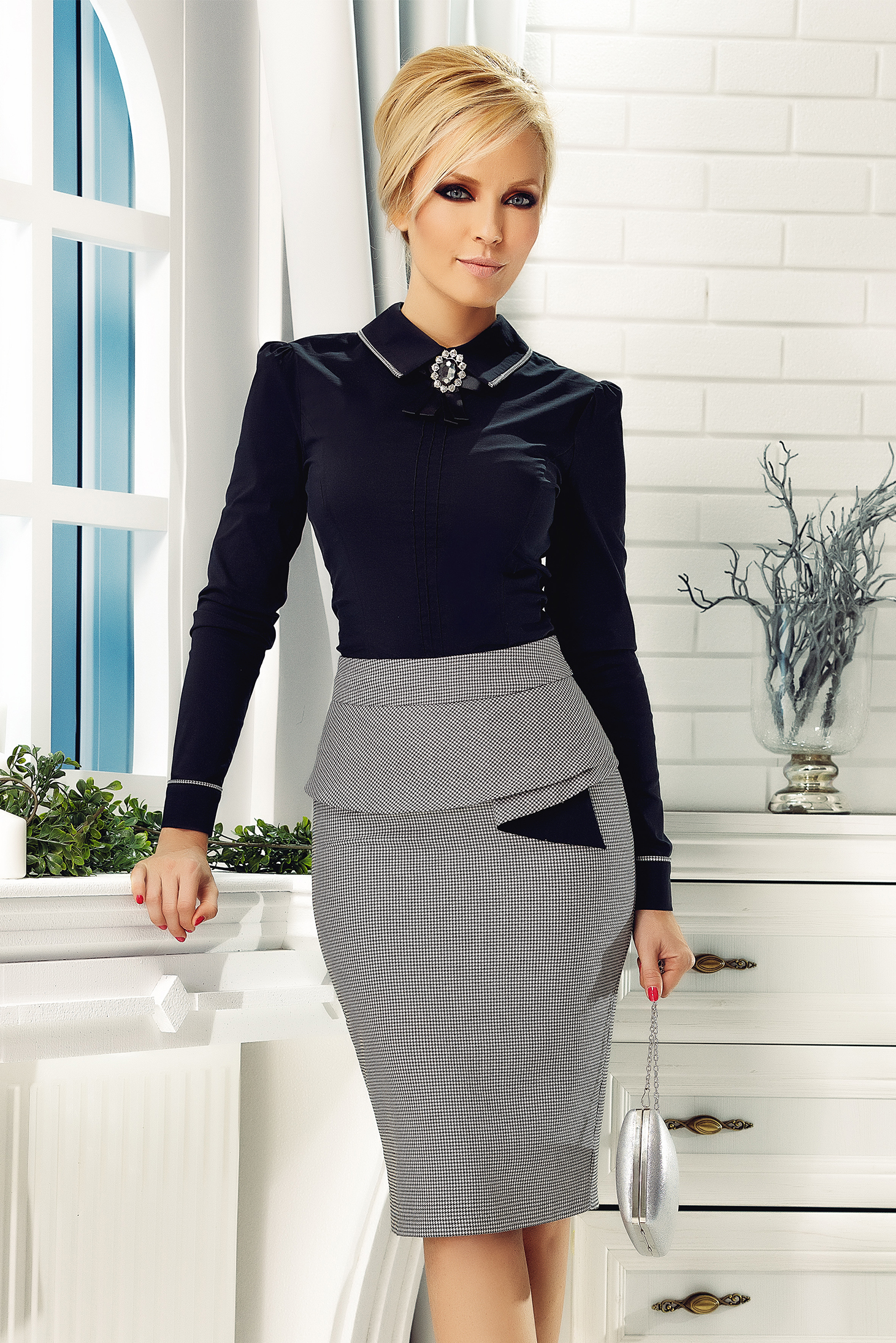 dcde19572a92 Fofy office midi pencil black skirt with print details with frilled waist