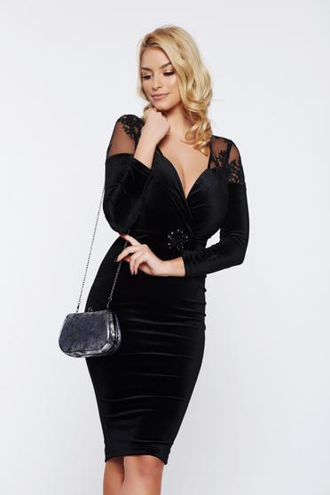 Artista occasional velvet pencil black dress with a cleavage