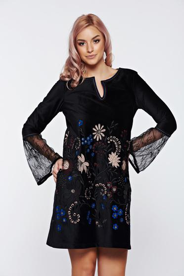 LaDonna cream dress embroidered velvet with laced sleeves