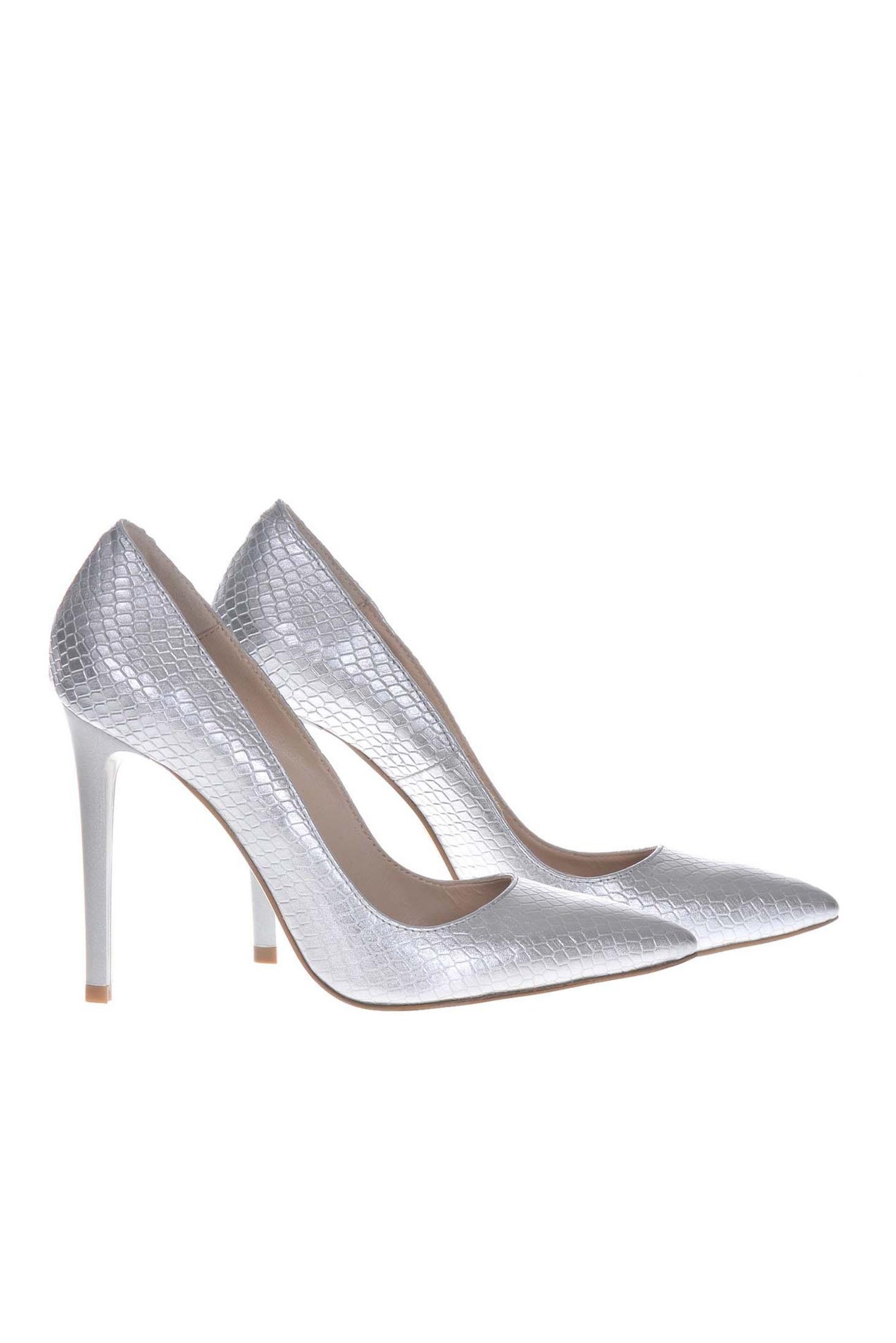 Ezüst stiletto elegáns magassarkú cipő 4b68f3a7c9