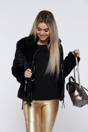 Ocassion black fur with zipper details pockets with inside lining