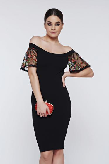Fofy red dress occasional off shoulder with bell sleeve embroidered