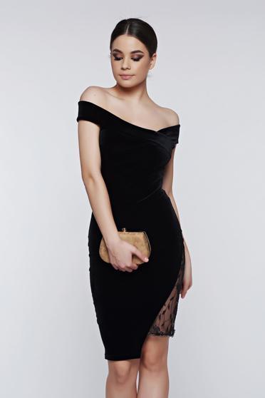 Fofy black dress occasional off shoulder velvet with lace details