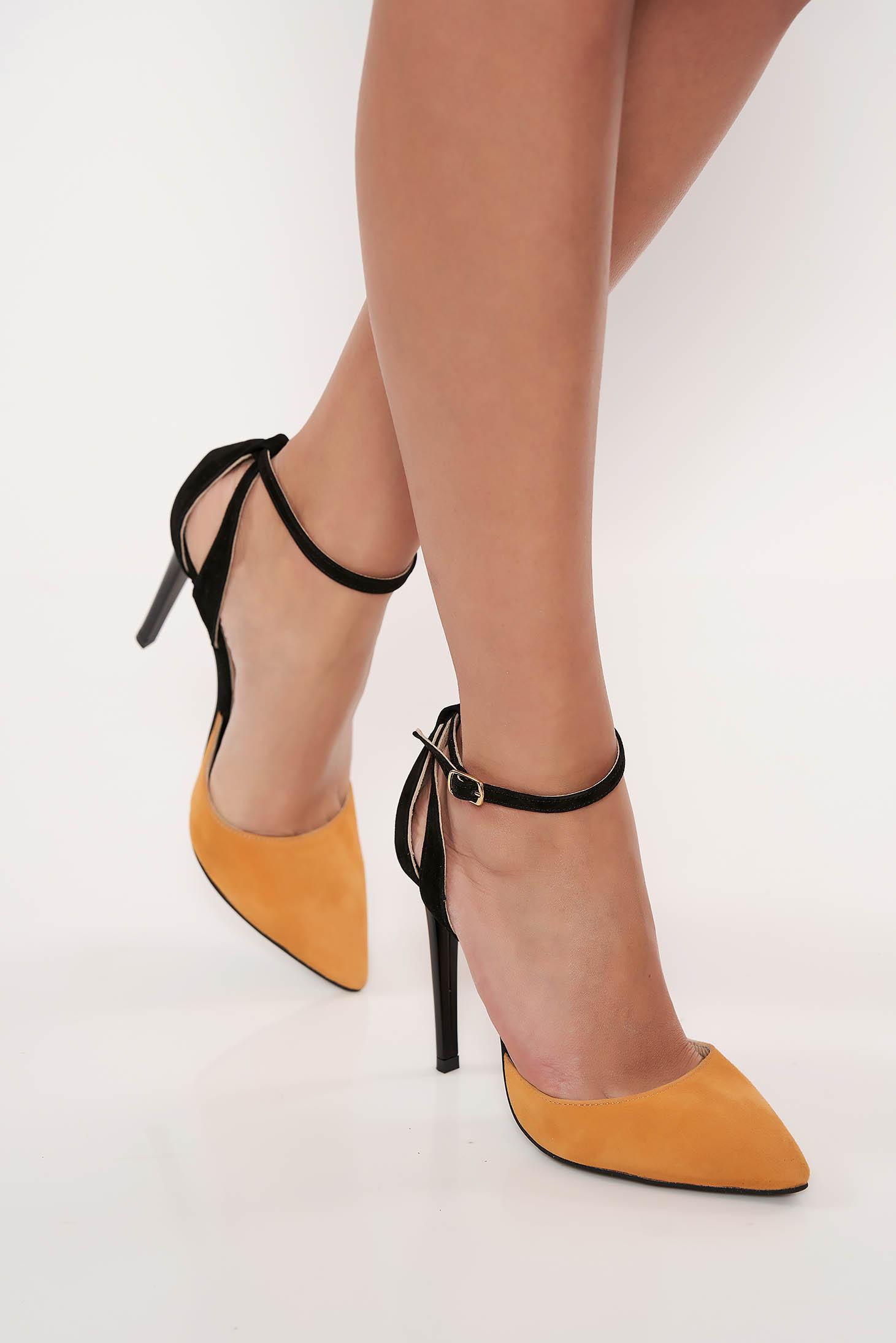 Pantofi stiletto galbeni eleganti din piele naturala cu toc inalt