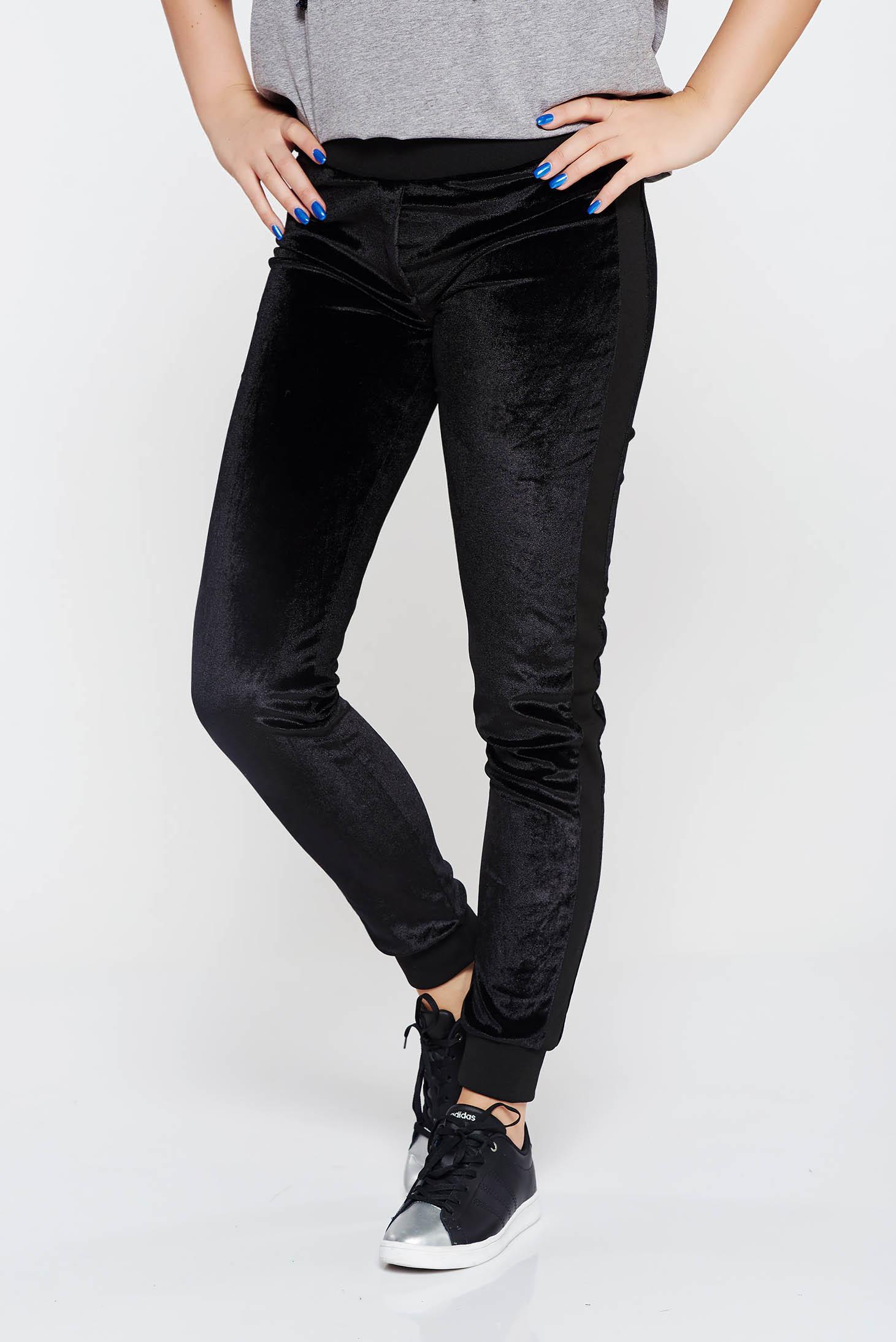 257fa9b87b89 Pantaloni PrettyGirl negri casual din catifea cu elastic in talie