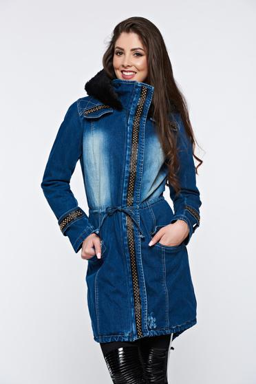 Blue jacket casual denim with faux fur lining aims