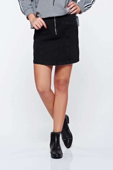 Top Secret black skirt casual denim with medium waist with front pockets